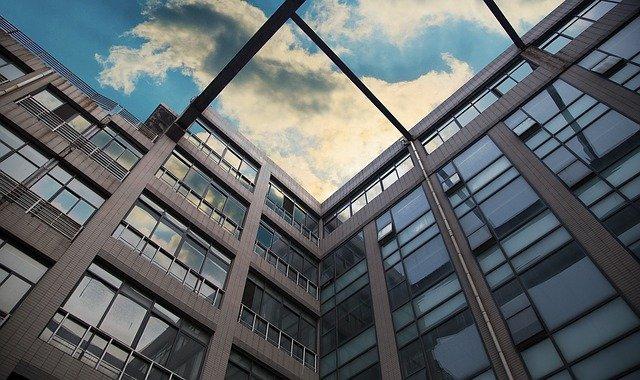 You are currently viewing Planifier l'efficacité énergétique dans les bâtiments publics